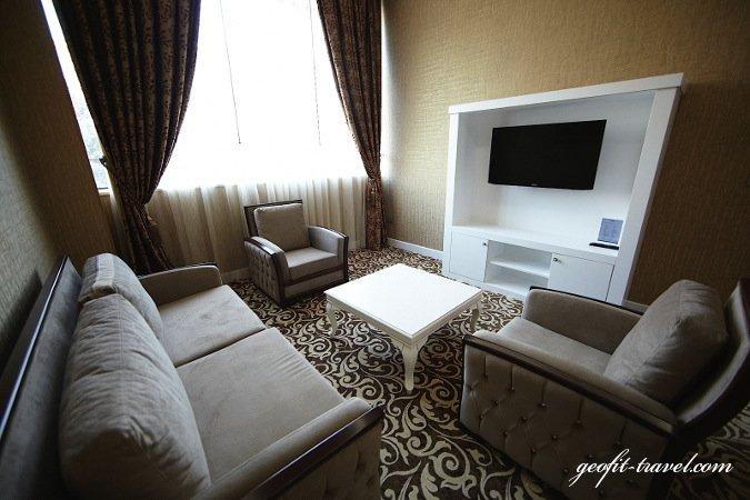 Divan express hotel georgia vacation packages geofit for Divan international